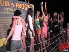 Chicks dance at show us their tits Thumb