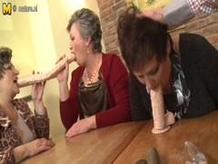Mature mom MOM and mom fuck not their SON Thumb