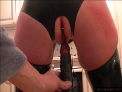 Sit down at that black Dildo Little Sunshine MILF-rear view Thumb