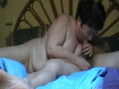 Chubby granny gives a blowjob Thumb