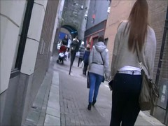 Candid big ass teen in jeans Thumb