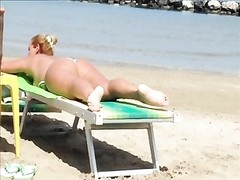 Pawg dame on the beach Thumb