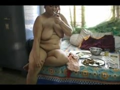 Smoking desi aunty Thumb