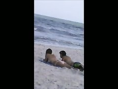 quick beach teenage  crotch shot inspect 46, big butt and cameltoe Thumb
