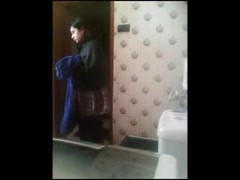 Caught bhabhi saree changing on hidden cam Thumb