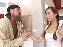 Adorable Tia Tanaka gets her slit tanked Thumb