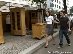 splendid Susi takes a bathtub  in public Thumb