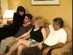 Mother and daughter pounded dad and son Thumb