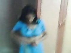 big titties Aunty unclothe her blue saree Thumb