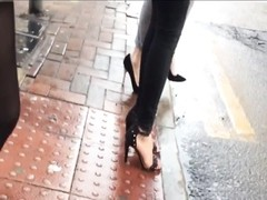 Indian dame walking through town with stunning feet Thumb