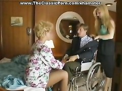 Classic porn on a boat with the blondy Thumb