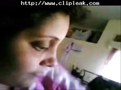 Indian Bank Manager wife Giving suck off To Her husband Thumb