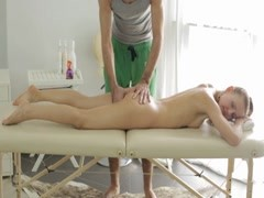 Nude massage gets the blondie sex.crazy.02 Thumb