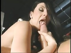 men tear up a youthfull  slut's donk and a cootchie at the club Thumb