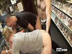without a condom  pound in sexshop Thumb
