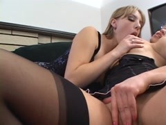Nylon wearing blond dykes eat each other out on the couch Thumb