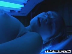 Amateur teen girlfriend cumshot in mouth in a solarium Thumb