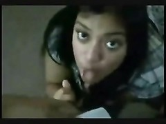 NRI chick doing bj to her BF Thumb