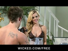 Big-tit panties clad blonde Jessie Rogers makes a hook-up  gauze Thumb