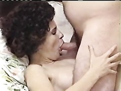 Curly conventional takes jizz on her face - Homemade Thumb