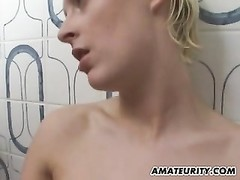 amateur girlfriend deepthroats and ravages in her bathroom Thumb