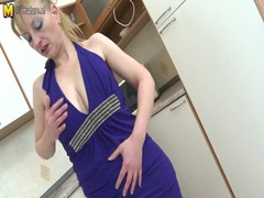 Amazing sexy mature mother with hungry old cunt Thumb