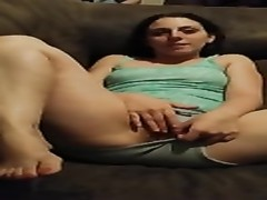 Hubby's pal gets tart  wifey  to play with herself on cam. Thumb