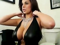 handsome Brunette's picture Shoot On Cam Thumb