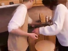 Stepmom & stepson absorb a sex on the kitchen Thumb