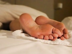 My girl getting a flow of spunk  on her sexy soles Thumb