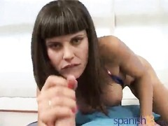 buxomy spanish Lola De Valle giving a proper hand job Thumb