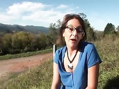 French milf Outdoor tear up Thumb