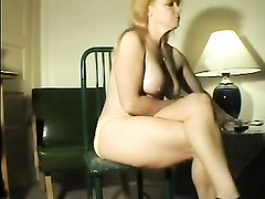 Farting yellow-haired milf Thumb