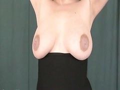 Milking breasts Annebelle Thumb
