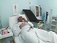 Doctor tears up client Thumb