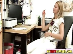 Lascivious teenage  wanks in the office Thumb