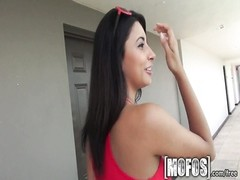 Mofos - warm latina takes it from bum Thumb