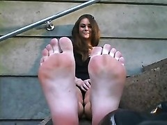 magnificent female, jummy soles 1 Thumb