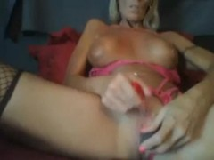MILF uses lipstick on clit to make her cum Thumb