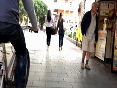Voyeur tight ass in jeans walking the streets Thumb