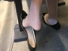Candid US College Teen Shoeplay Feet Dangling in Nylons PT 1 Thumb