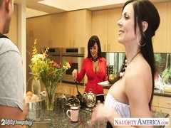 buxom honeys  Kendra passion and Lisa Ann fuck in 3some Thumb
