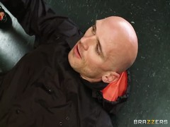 Brooke Fox enjoys in hot sex with lusty bald Johnny Sins Thumb