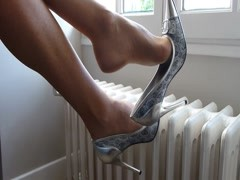Dangle silver heels Thumb