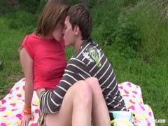Teen Bella gets pussy fucked and jizzed outdoors Thumb