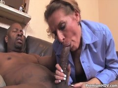 Mature Sara James takes on black pecker Thumb
