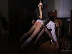 Erika Bellucci and Lina Napoli play dirty in classroom Thumb