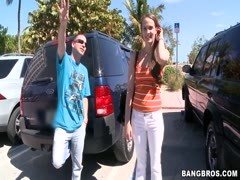 Sexy teen Vanessa Renee first tries bang buss! Thumb