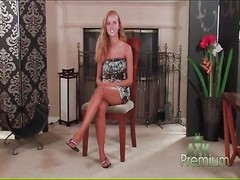 petite Jessie Rogers undresses bare and smiles Thumb