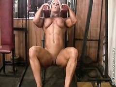 Lisa Cross 01 - Female Bodybuilder Thumb